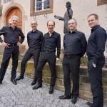 Carus-Quintett vor dem Silcher-Museum